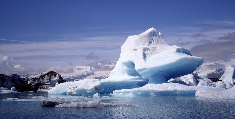 Jökulsárlón er einn fjölsóttasti ferðamannastaður Íslands.