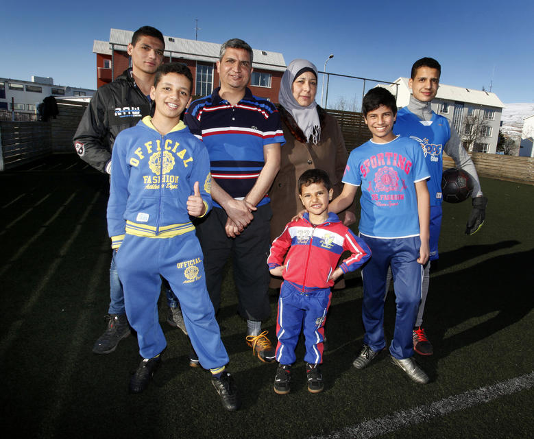 The Naser family from Syria during football practice at Oddeyrarskóli ...