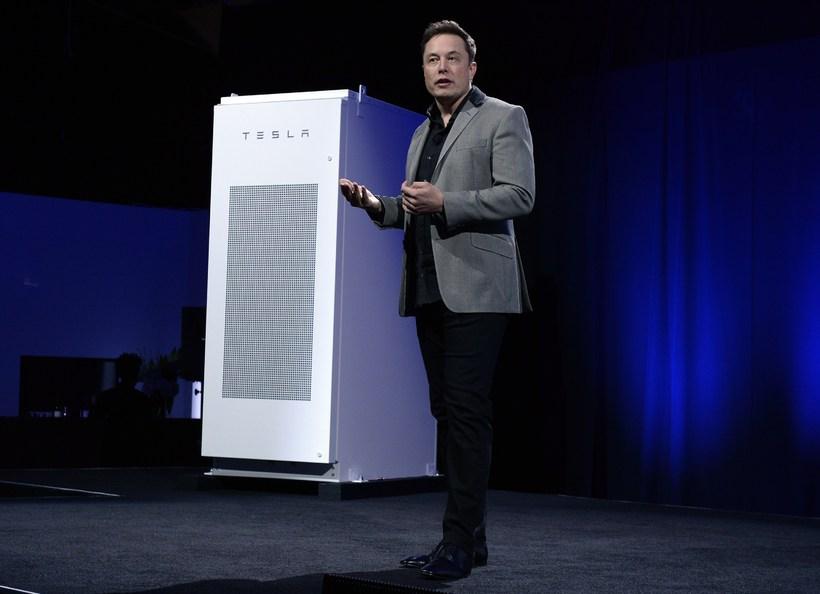 Elon Musk og Orkuveggurinn.
