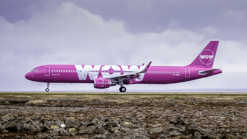 A WOW air Airbus jet.
