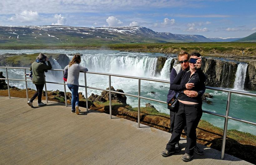 The new viewing platform at Goðafoss