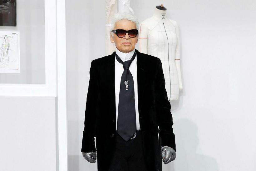 Karl Lagerfeld á tískusýningu Chanel.