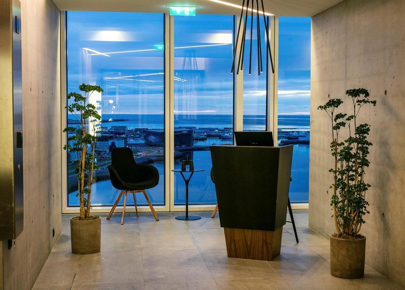 Innlit í Tower Suites Reykjavík.