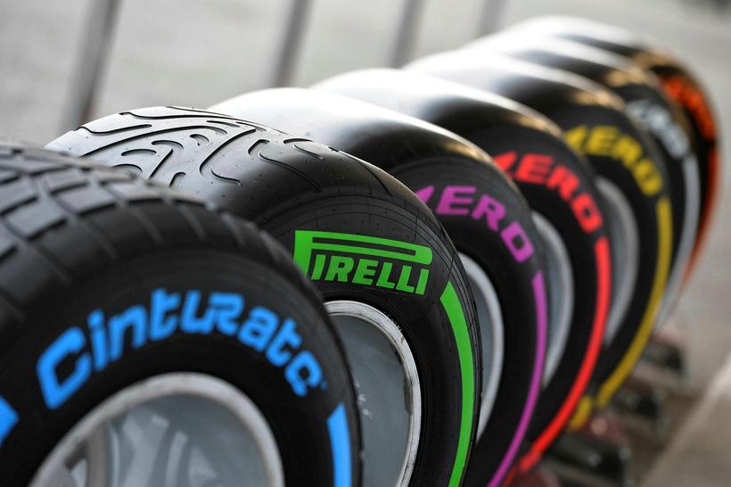 Ný dekk frá Pirelli hafa valdið deilum á vettvangi formúlu-1.