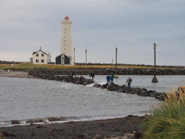 Tourists in danger at Reykjavik lighthouse - Iceland Monitor