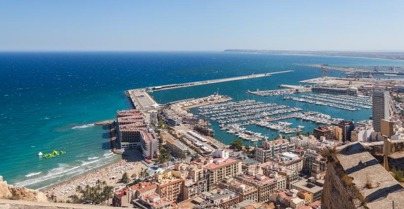 Frá Alicante á Spáni.