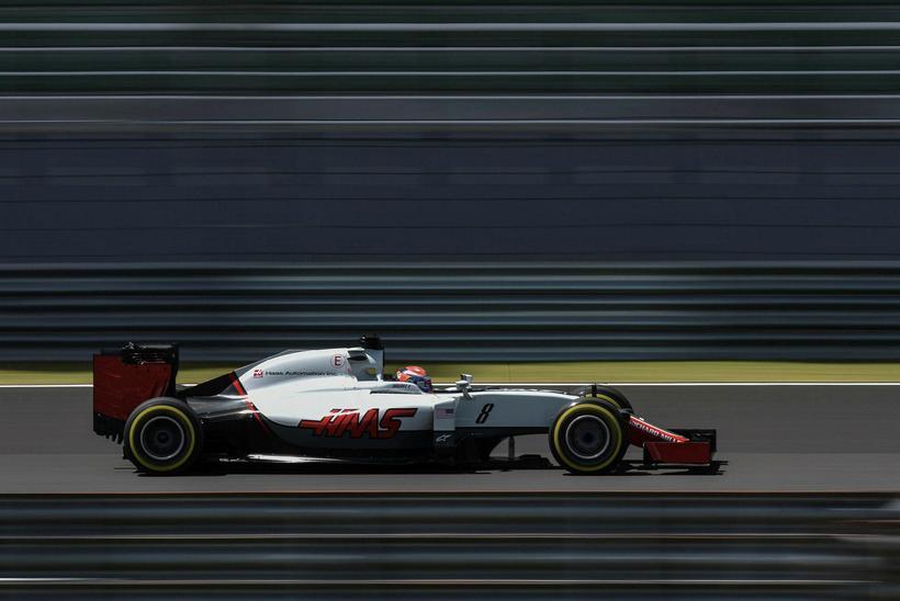 Romain Grosjean hjá Haas á ferð í Sepang í Malasíu ...