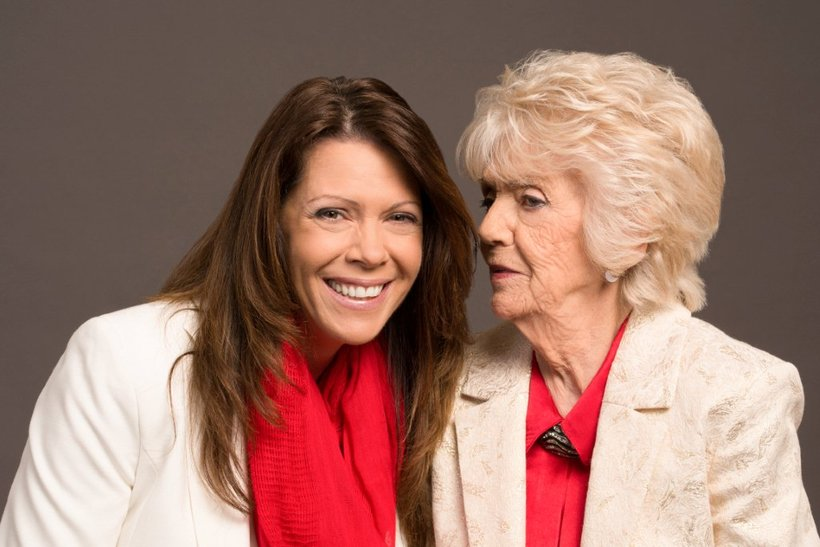 Ieda Jónasdóttir with her daughter Heidi on the left.