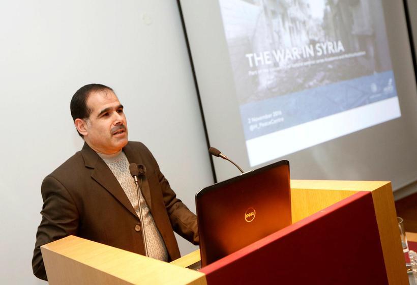 Khattab al-Mohammad er enskukennari og leiðsögumaður frá Aleppo í Sýrlandi. …