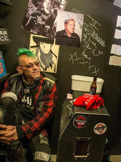 Svarti Álfur Mánason, a famous Icelandic punk.