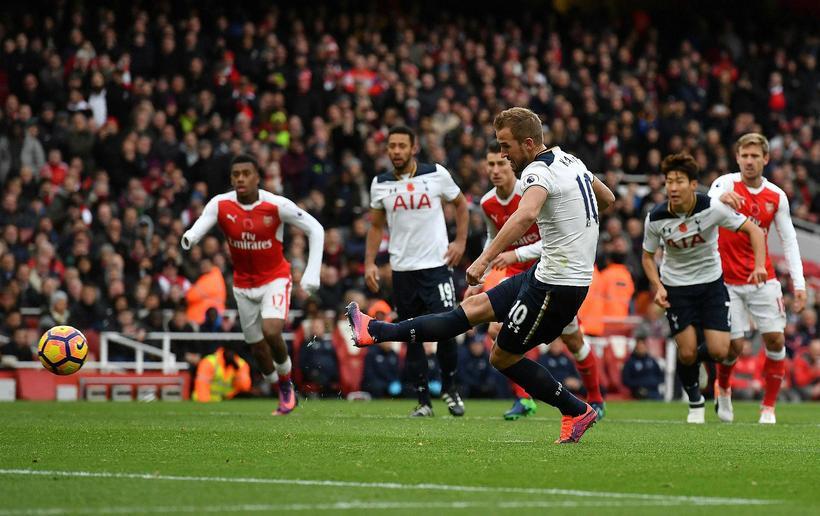 Harry Kane jafnar metin fyrir Tottenham Hotspur gegn Arsenal með …