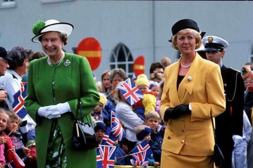 President Vigdís Finnbogadóttir and Queen Elizabeth II in downtown Reykjavík, ...