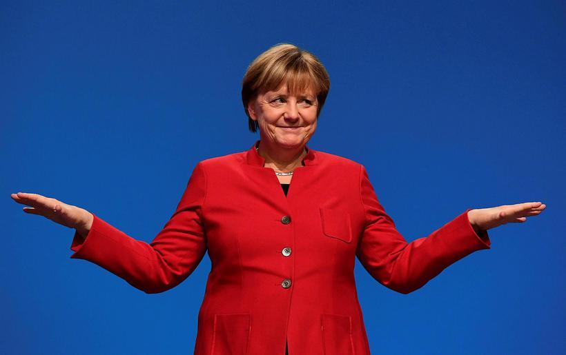 Angela Merkel klæðist oft litríkum jökkum.