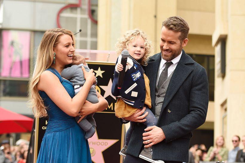 Blake Lively, Ryan Reynolds og dætur þeirra tvær.