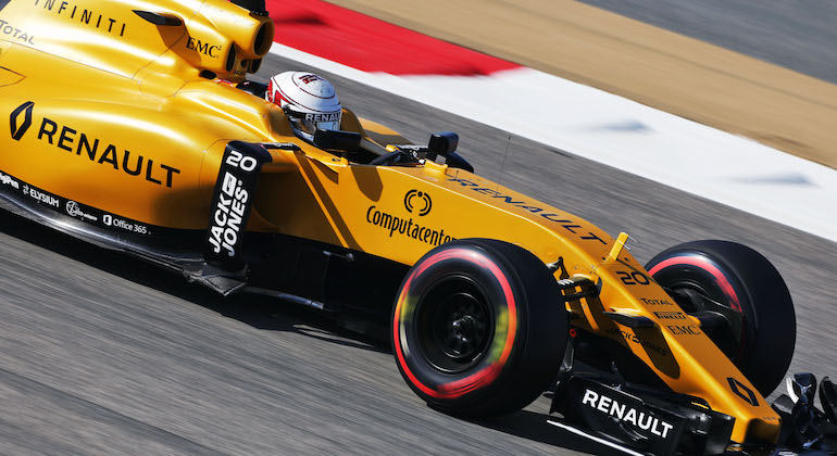Vélar Renault verða öflugri í ár en í fyrra.