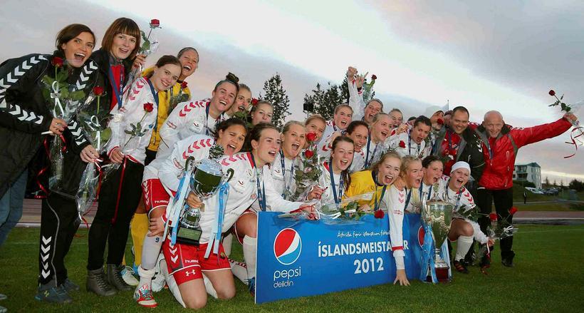 Þór/KA varð Íslandsmeistari 2012.