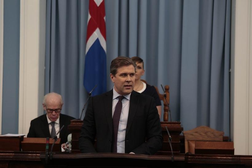 Bjarni Benediktsson forsætisráðherra á Alþingi í kvöld.