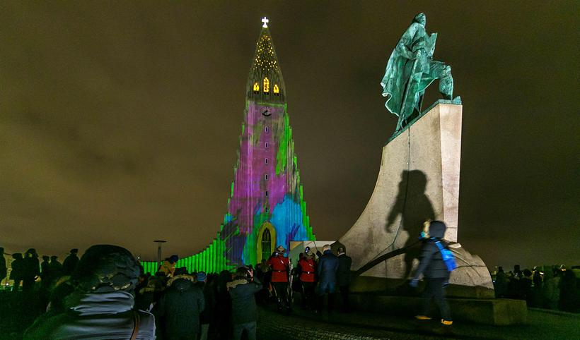 Hallgrímskirkja church bathed in light at last year's WInter Festival.
