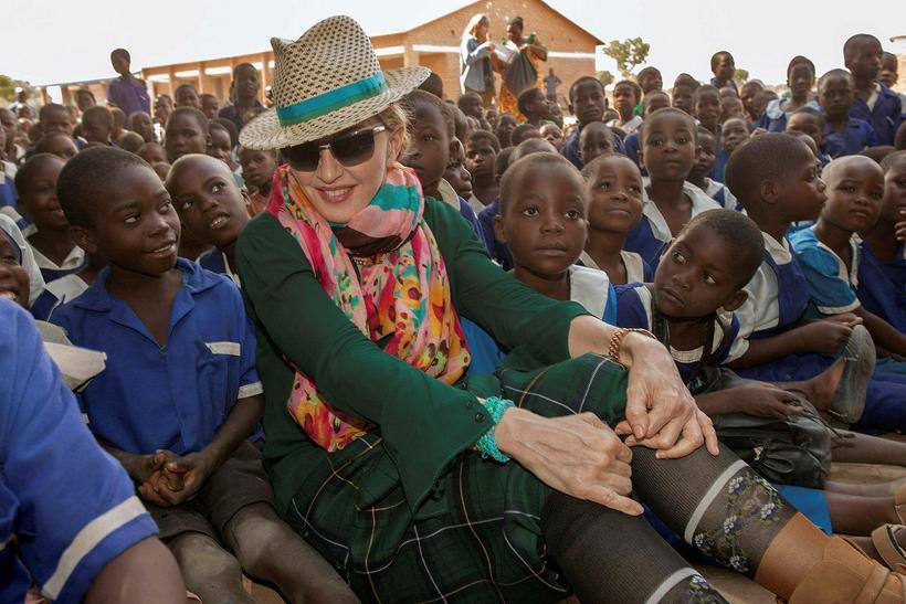 Madonna stofnaði mannúðarsamtök í Malaví. Hún heimsækir landið mjög reglulega. ...