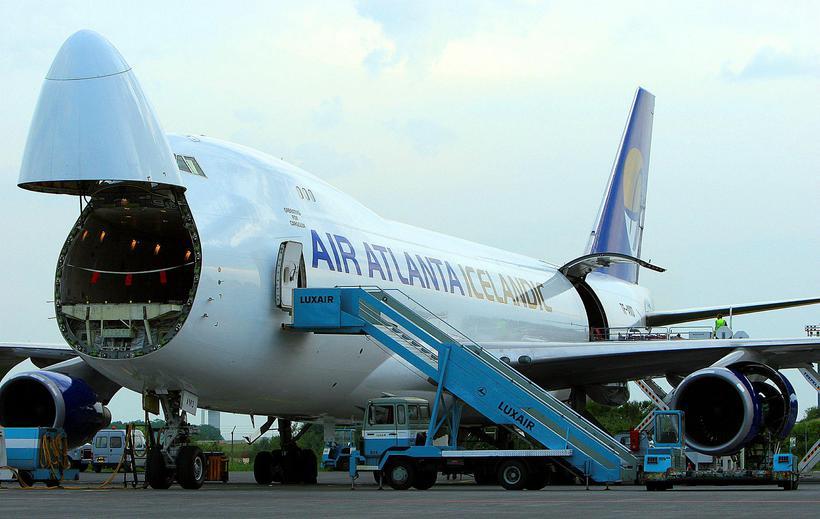 Vöruflutningaþota Air Atlanta af gerðinni Boeing 747-400.