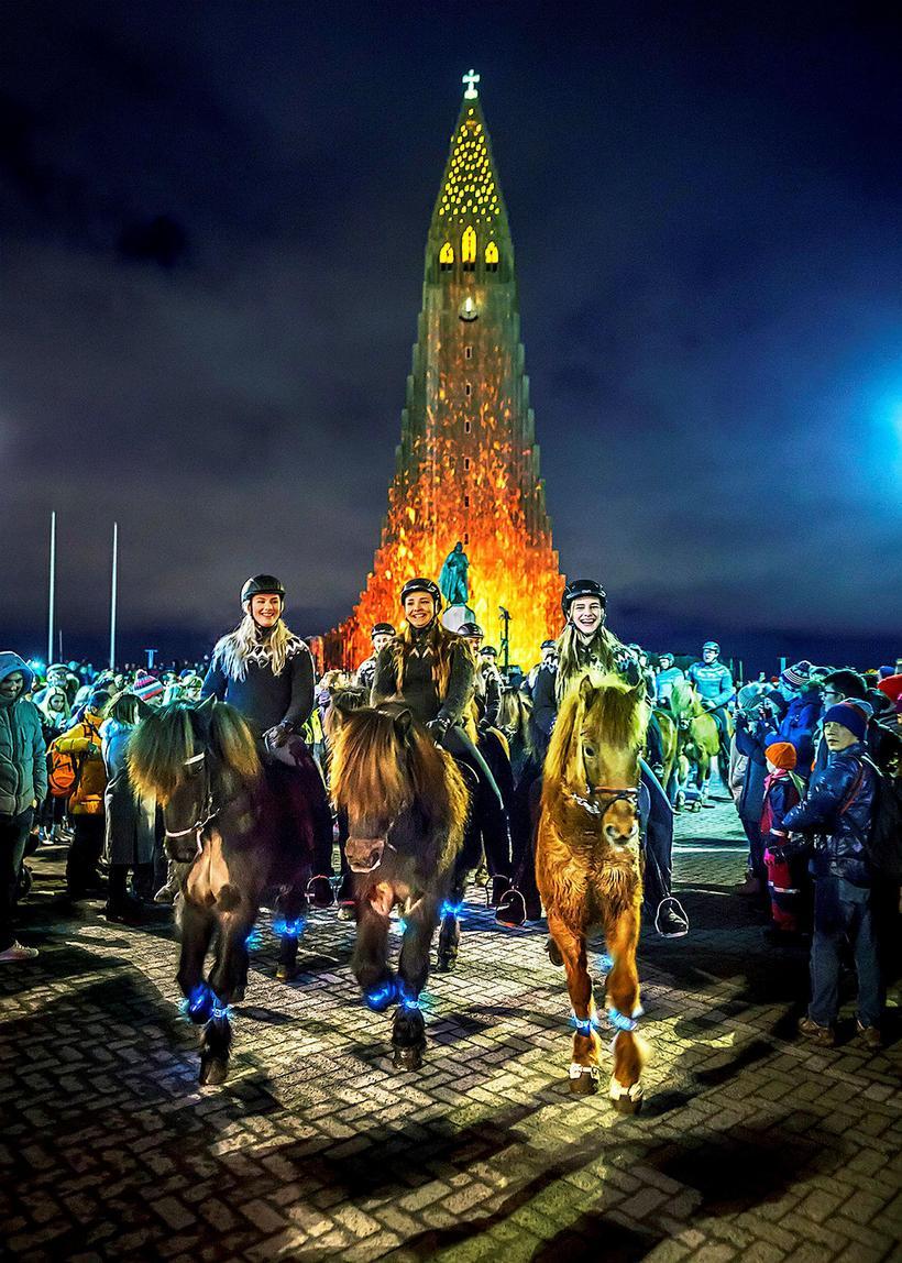 Ungmenni í Fáki létu ljós sitt skína á Vetrarhátíð.