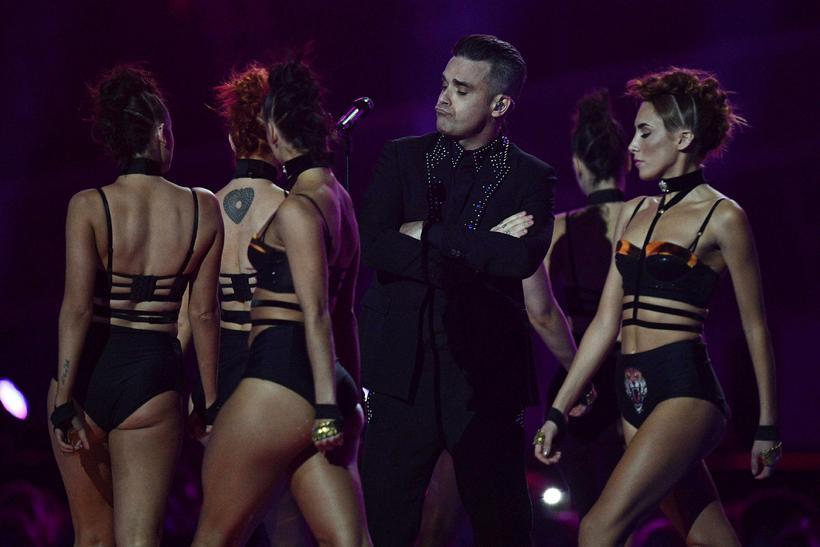 Robbie Williams tók lagið á hátíðinni í kvöld.
