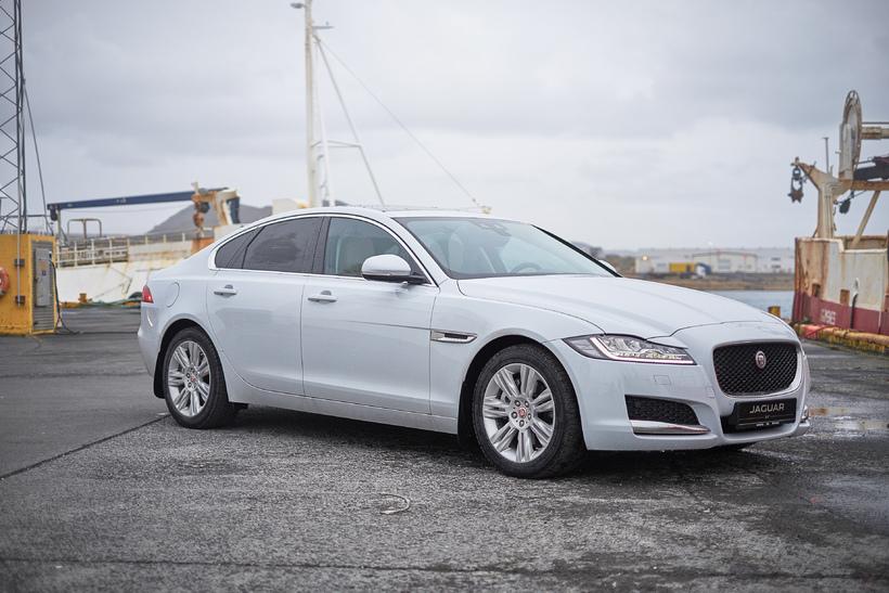 Jaguar XE er eftirsóttur forstjórabíll.