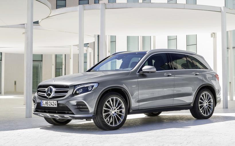 Mercedes GLC.