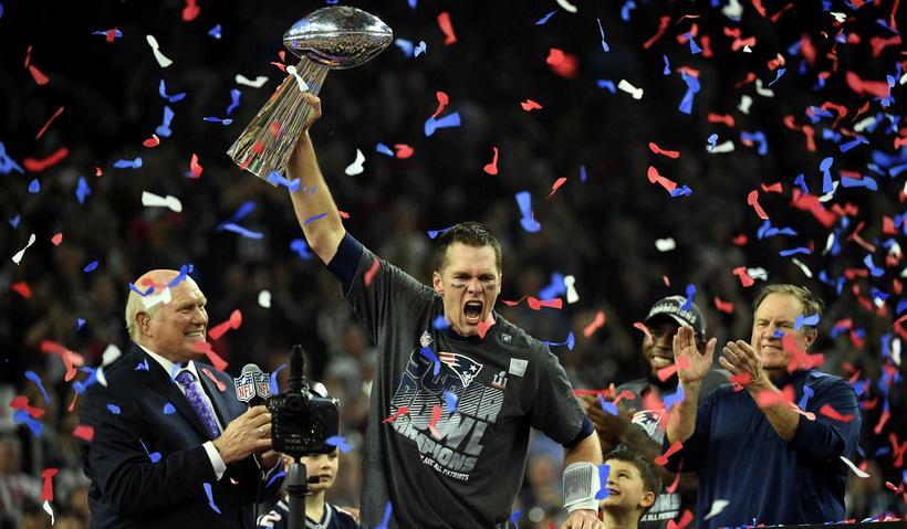 Tom Brady er loksins kominn með treyjuna sína.