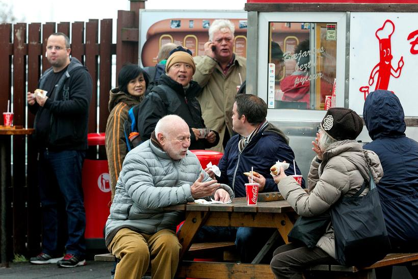 Bæjarins bestu is the most popular hot dog shack in ...
