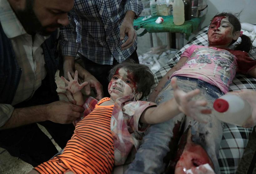 Börn á sjúkrahúsi í Aleppo í kjölfar árása Rússa og …