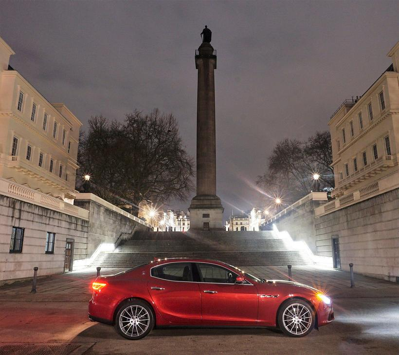 Stæltur afturhlutinn gerir Maserati Ghibli að mjög vígalegum bíl, og ...
