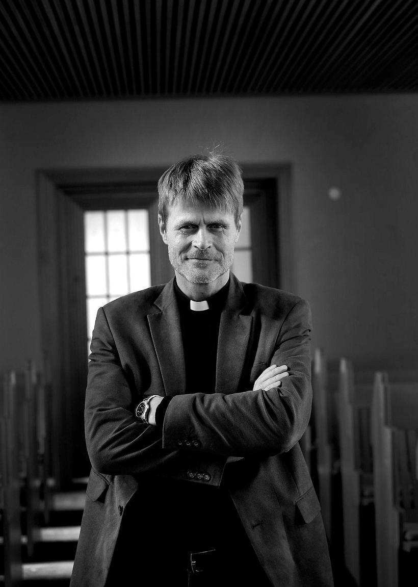 Priest Davíð Þór Jónsson.