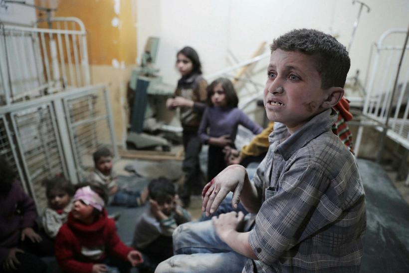 Börn sem búa í úthverfi Damaskus, Douma.
