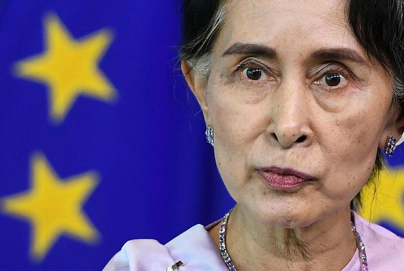 Aung San Suu Kyi, friðarverðlaunahafi Nóbels og leiðtogi ríkisstjórnar Búrma, ...