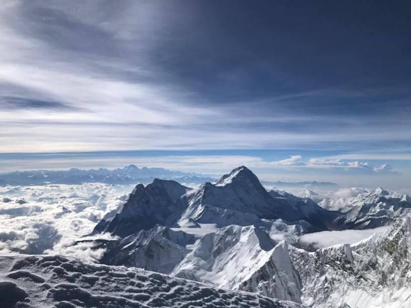 Útsýnið af tindi Everest er óneitanlega stórfenglegt. Þessa mynd tók …