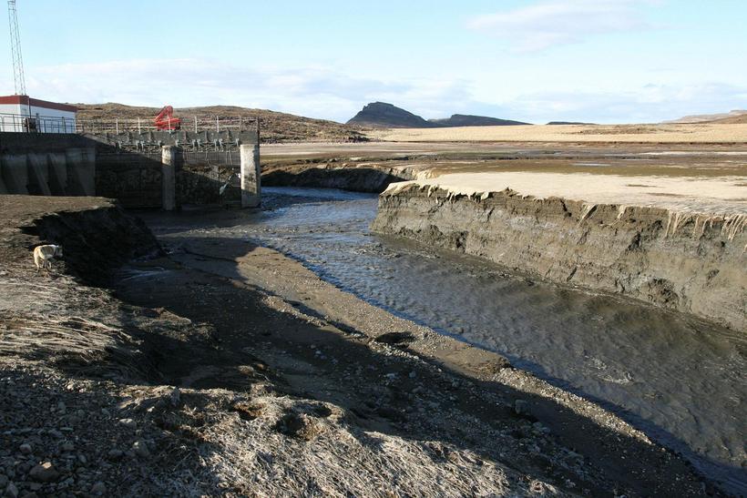 Andakílsá dam was built in was built in 1945-47.