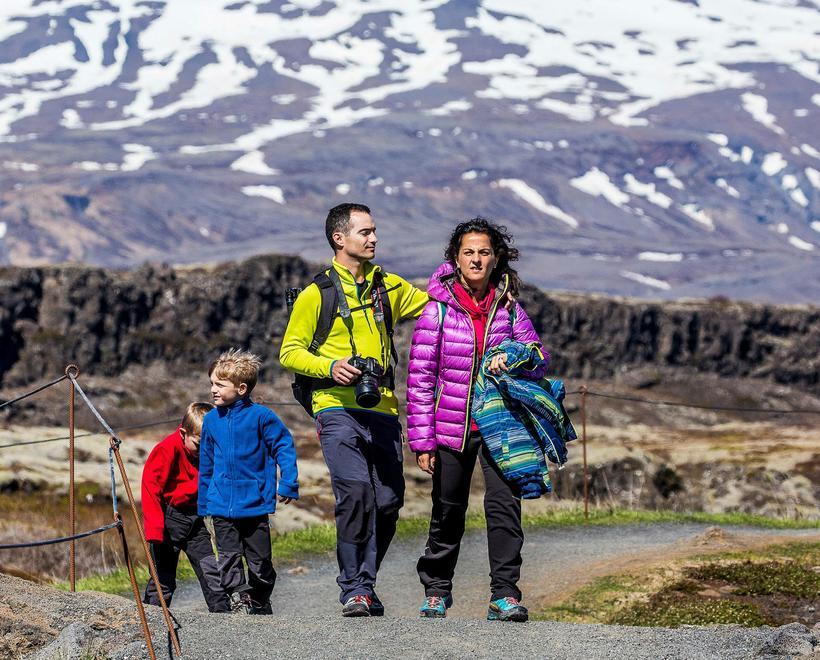 Erlendir ferðamenn á Þingvöllum. Heildarefnahagsáhrif af gestakomunum á Þingvelli í ...