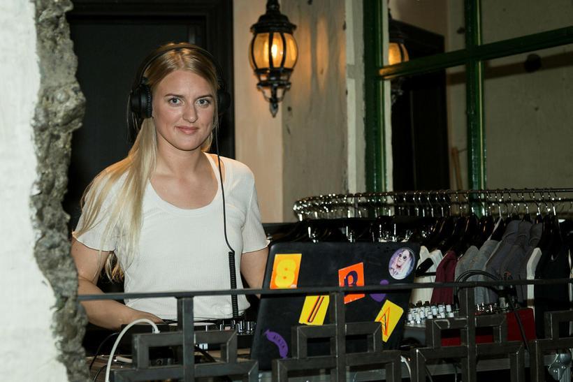 DJ Sura (Þura- Stína).