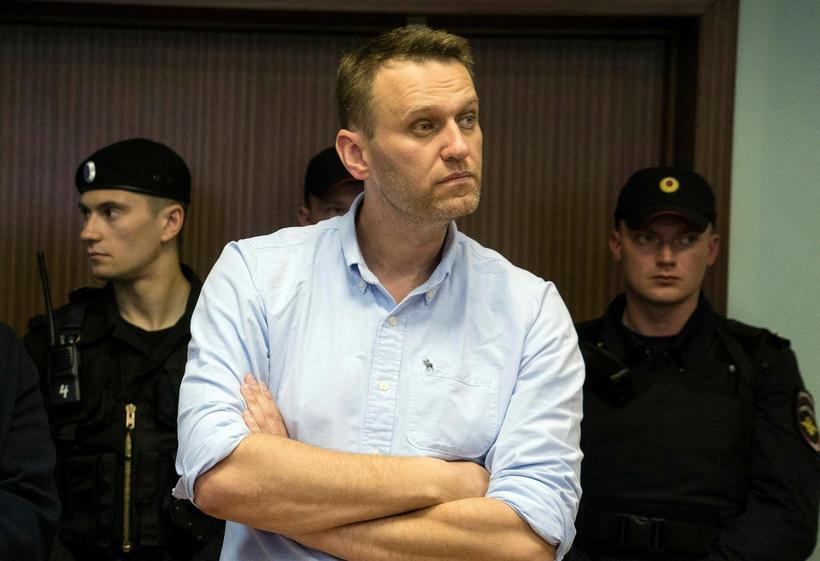 Alexei Navalny mætir til dómsuppkvaðningar í dag.