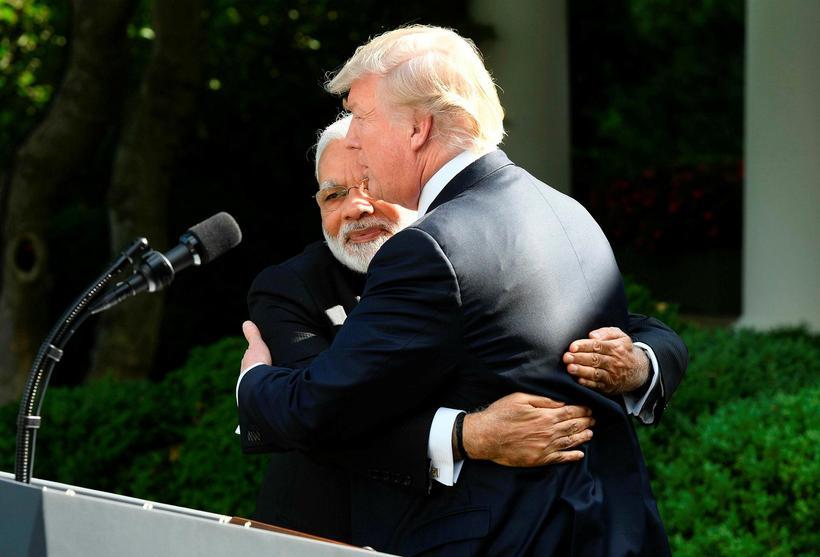 Donald Trump, forseti Bandaríkjanna, og Narendra Modi, forsætisráðherra Indlands, eru ...
