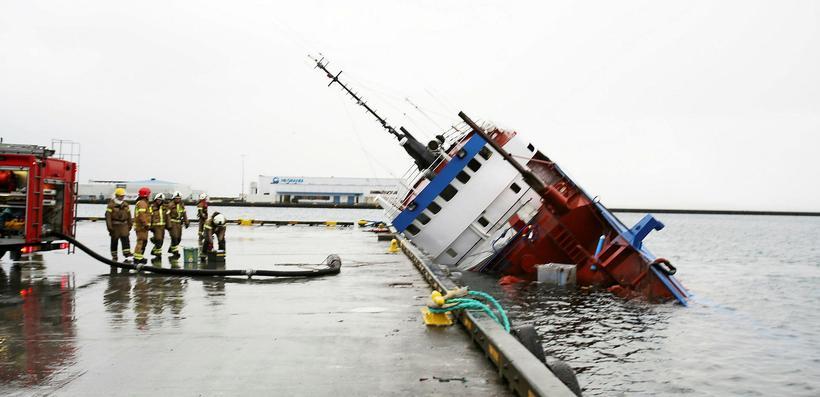 Perla sökk í Reykjavíkurhöfn í árslok 2015. Klukkutími leið frá ...