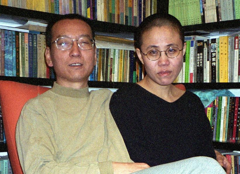 Liu Xiaobo, til vinstri, ásamt eiginkonu sinni Liu Xia.