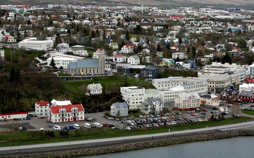 Nemendurnir voru að fagna útskrift úr Menntaskólanum á Akureyri.