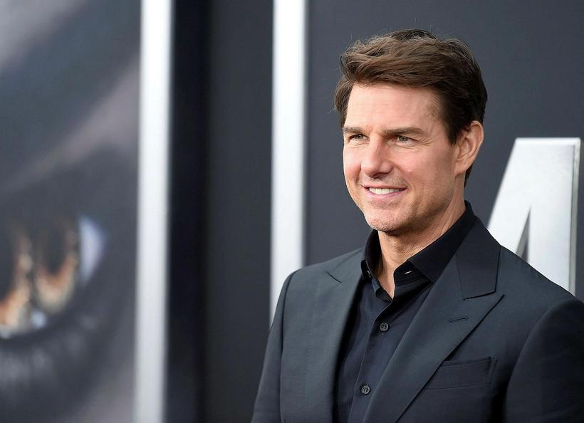 Tom Cruise fer með aðalhlutverk myndarinnar.