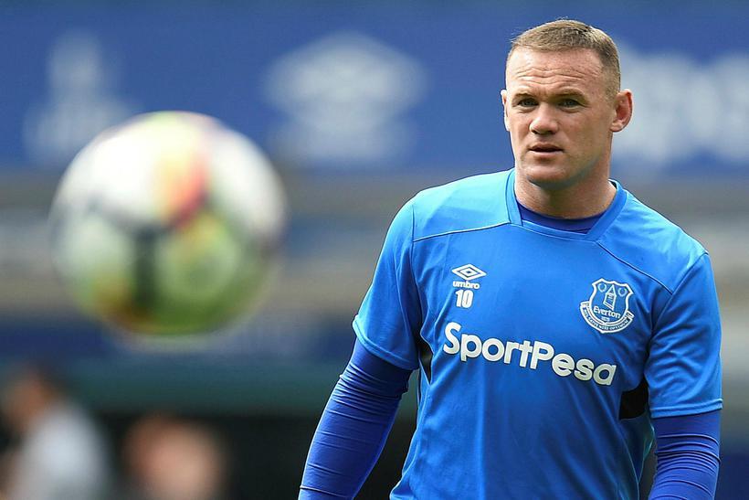 Wayne Rooney hitar upp fyrir leik Everton og Stoke City ...