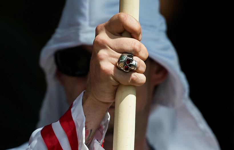 Félagi úr Ku Klux Klan, samtökum sem þekkt eru fyrir ...