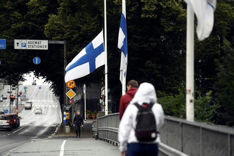 Flaggað í hálfa stöng í finnsku borginni Turku þar sem ...