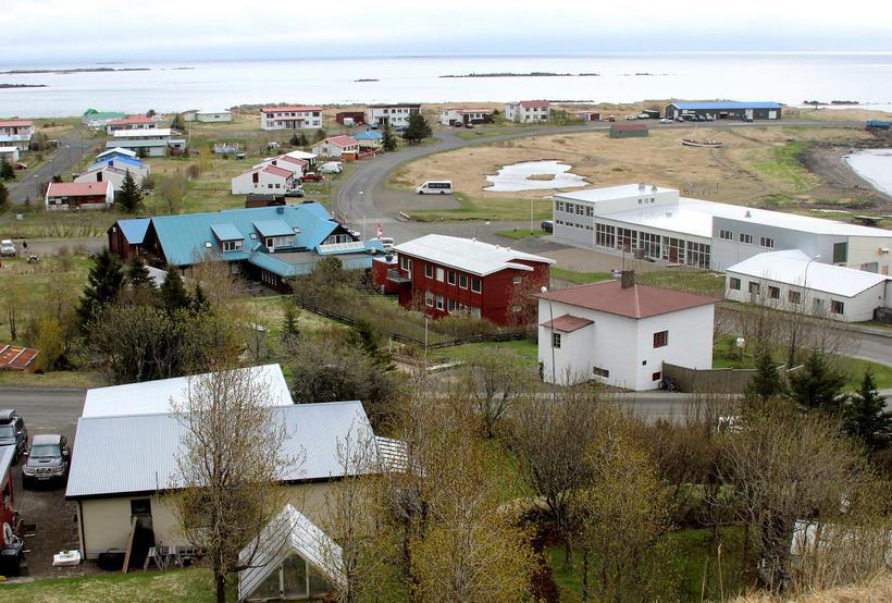 Breiðdalsvík. Rafmagnsleysið hefur haft nokkur áhrif á atvinnulífið á Breiðdalsvík ...