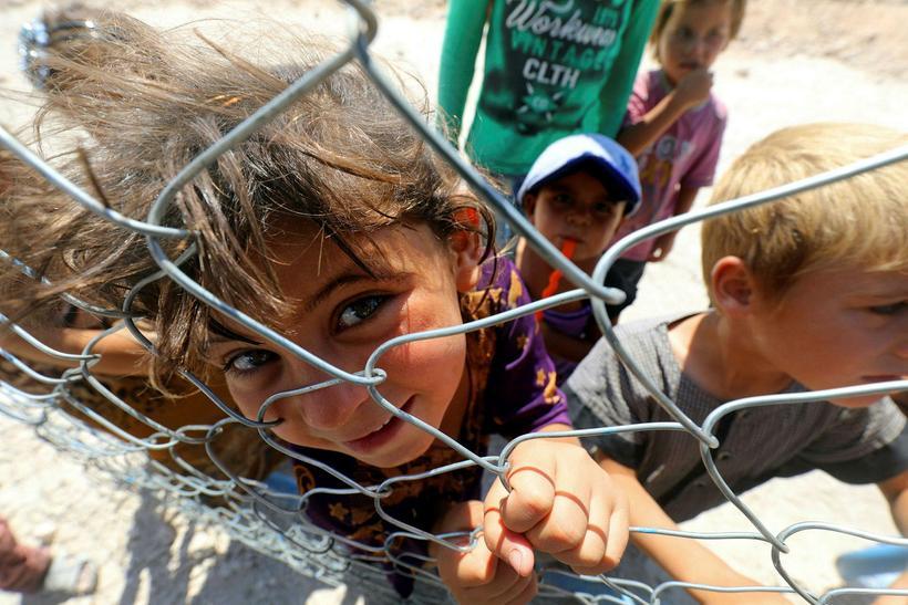 Börn frá Raqqa í Ain Issa-flóttamannabúðunum. Save the Children vara ...